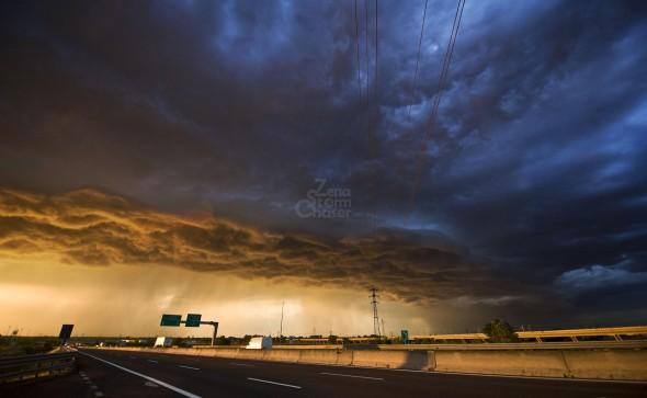 Shelf Cloud al tramonto