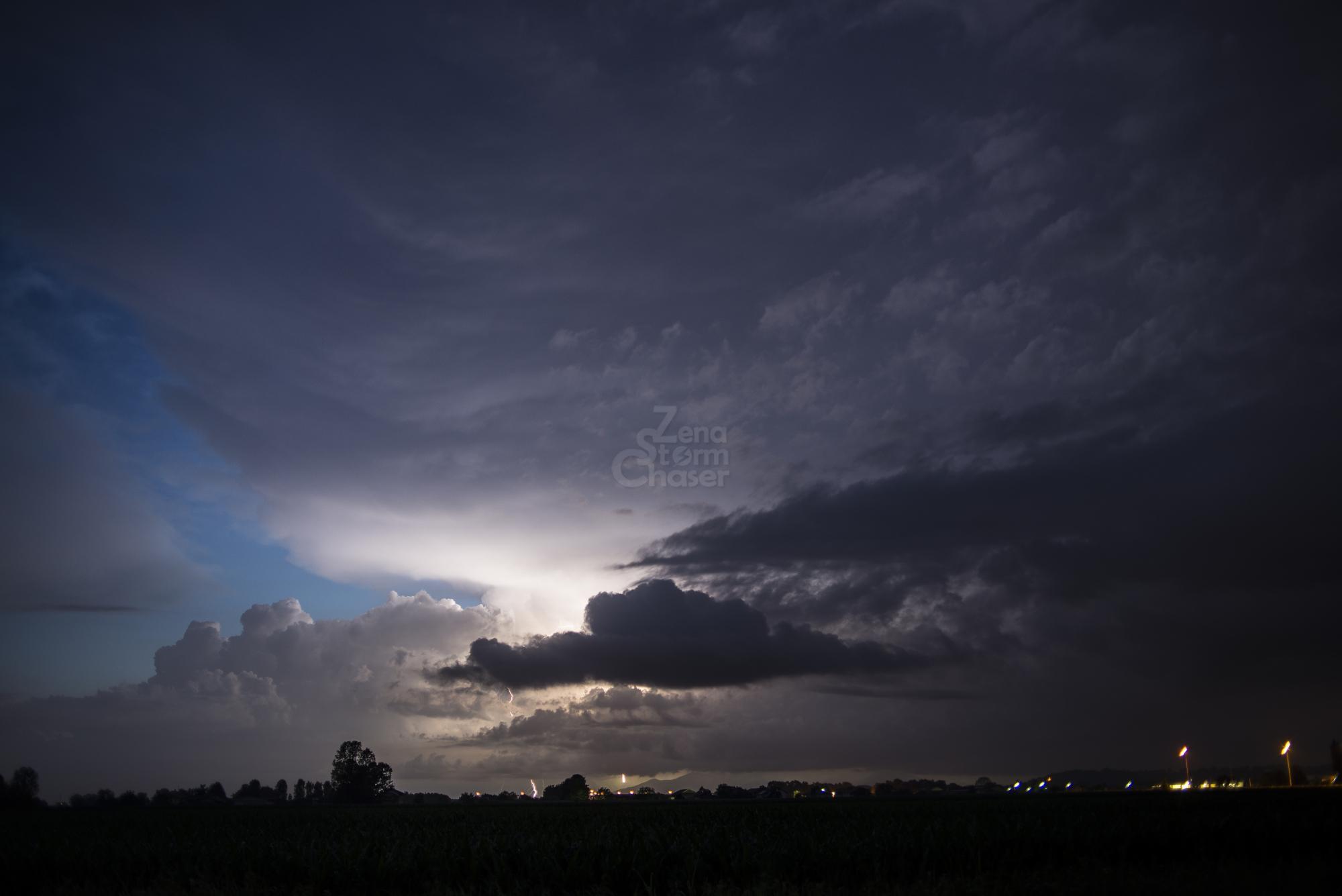 Supercella piemontese temporale serale 17 giugno 2016_11